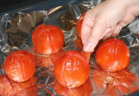 romantic-dinner_tomatoes-peeling.jpg