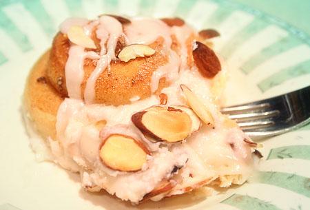 buns-happy-bun-ready-to-eat-on-dish.jpg