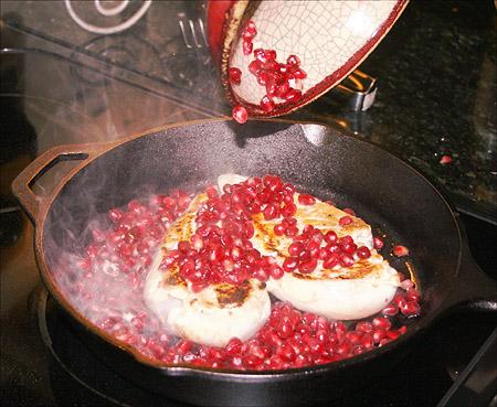 pomegranate-chicken_cooking.jpg