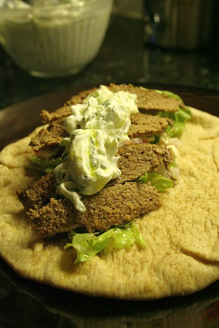 gyro_tzatziki-in-background450.jpg