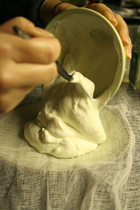 labneh_making_yogurt_on_cheesecloth.jpg