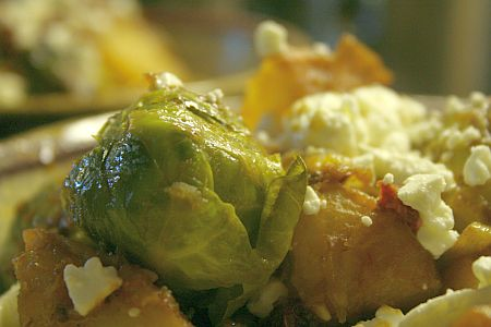 brussel_sprouts_tomato_closeup.jpg