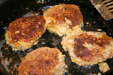 spaceship_squash-fritters_frying.jpg