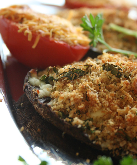 stuffed_mushrooms_with_tomatoe.jpg