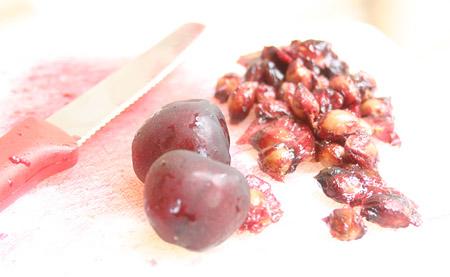 cherry-pistachio-gelato_cutting-cherries1.jpg