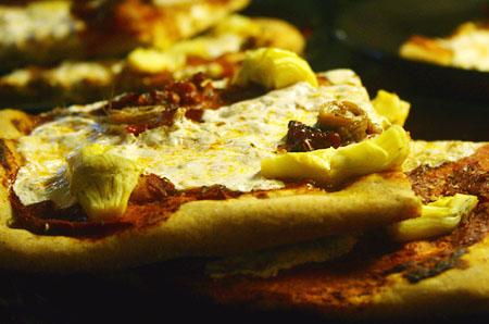 movie-pizza_sliced.jpg