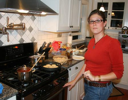 thanksgiving-leftovers_jenn-at-the-stove.jpg