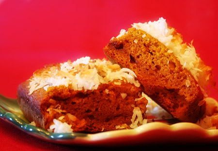 pumpkin-bread_brownies-ready-to-eat_on-dish
