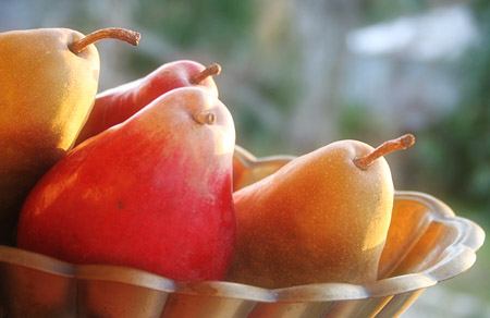 from-the-farm_poached-pears_in-the-basket