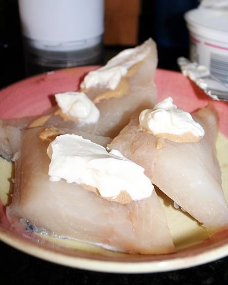 pistachio-potato-chip-fish_cooking