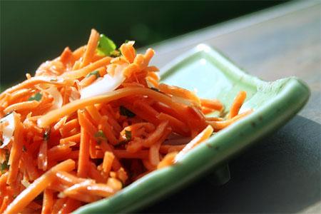 carrot-salad_on-dish_horizontal