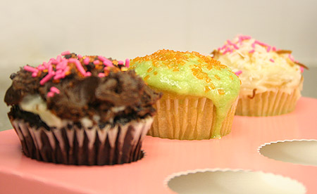 saint-cupcakes_3-cupcakes-ready-to-eat