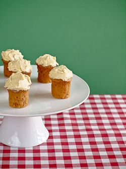 15_spicy_carrot_and_apple_cakes_with_maple_buttercream_frosting_by_protos
